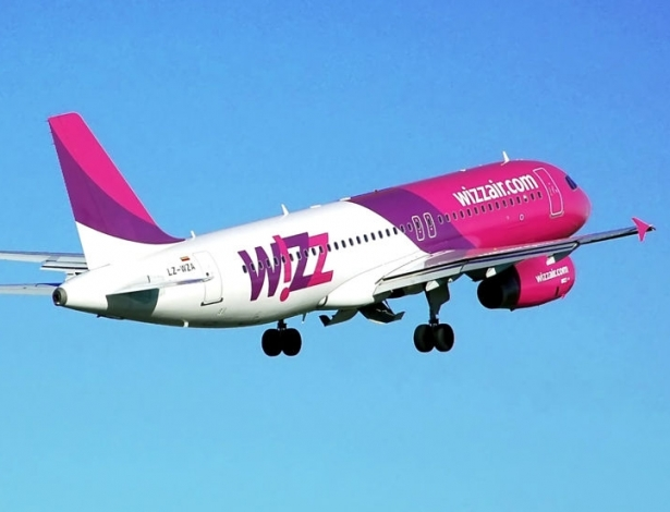 800px-whizzair.a320-200.lz-wza.fromrear.
