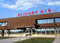 Aerodromska taksa u Nišu spuštena na jedan evro