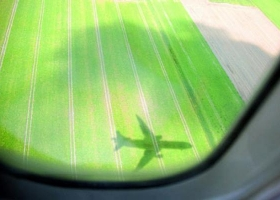 airplane_shadow