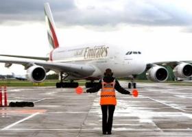 emirates_docked